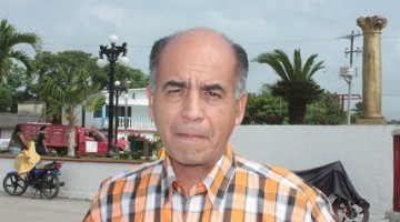 nota Lic. Juan Gibert Santos Oficial del Registro Civil en Moloacán